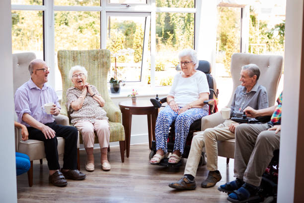 6 WAYS TO STAY SOCIALLY ACTIVE AS A SENIOR