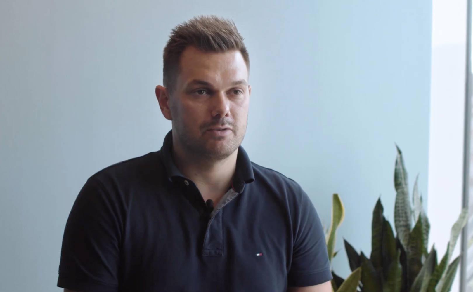 Et screenshot af CMO for Dinero, Patrick Teglstrup, der taler om online markedsføring