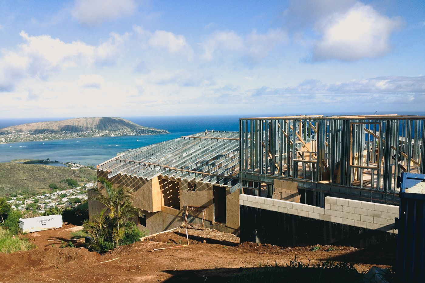 Hawaii Loa Ridge home steel panel construction