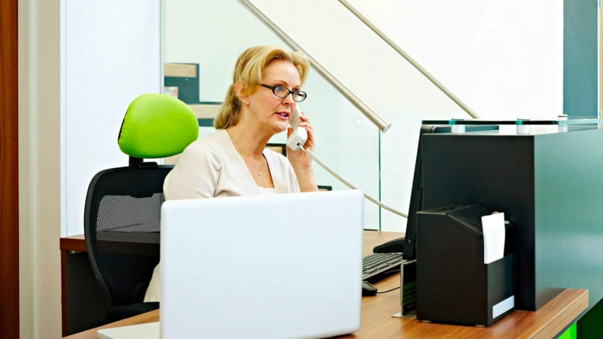 answering patient phone calls: how to convert more appts
