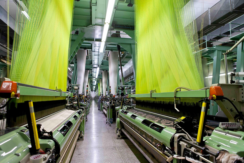 Ein führender europäischer Hersteller textiler Stoffe für die Fahrzeuginnenausstattung mit mehreren autarken Gesellschaften befand sich in einer Vertrauenskrise mit den finanzierenden Banken aufgrund fehlender Transparenz über die wirtschaftliche Entwicklung der Einzelgesellschaften. Durch eine strategische und strukturelle Neuausrichtung sowie Neuordnung der Sicherheiten und Kreditverträge konnte CIC Consultingpartner das Vertrauen wiederherstellen und die Durchfinanzierung sichern.