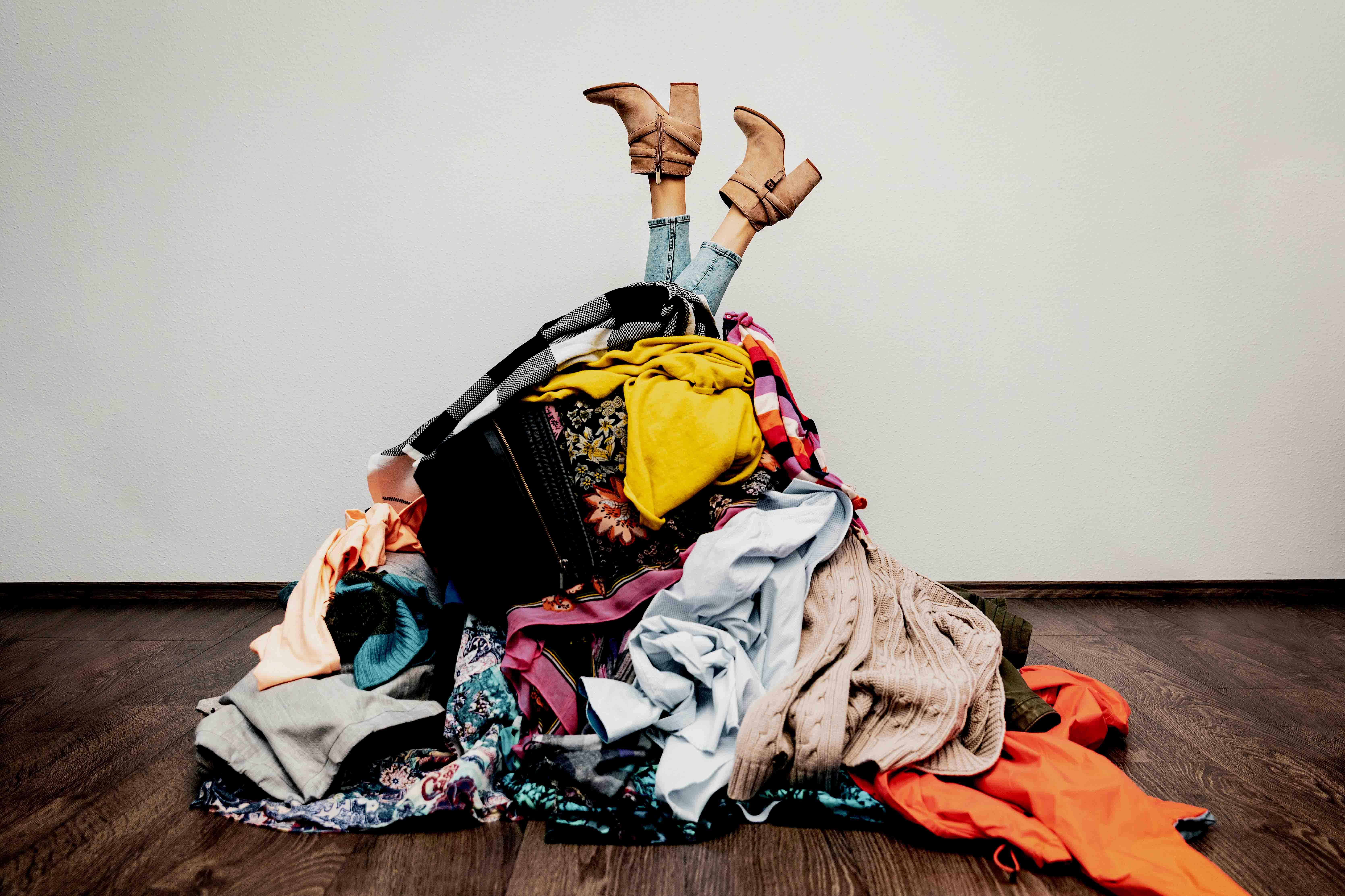 Ein Markenproduzent für Young Fashion (Oberbekleidung) wurde bei rückläufigen Margen durch wachsende Geschäftskomplexität belastet. Fast- Fashion-Prozesse und Multi Channel Management waren nicht auf Wettbewerbsniveau. Das Preis- und Konditionensystem passte nicht zur Kundenstruktur. Nach strategischer Neuausrichtung erfolgten die Einführung eines neuen Preissystems und die Optimierung der Kernprozesse.
