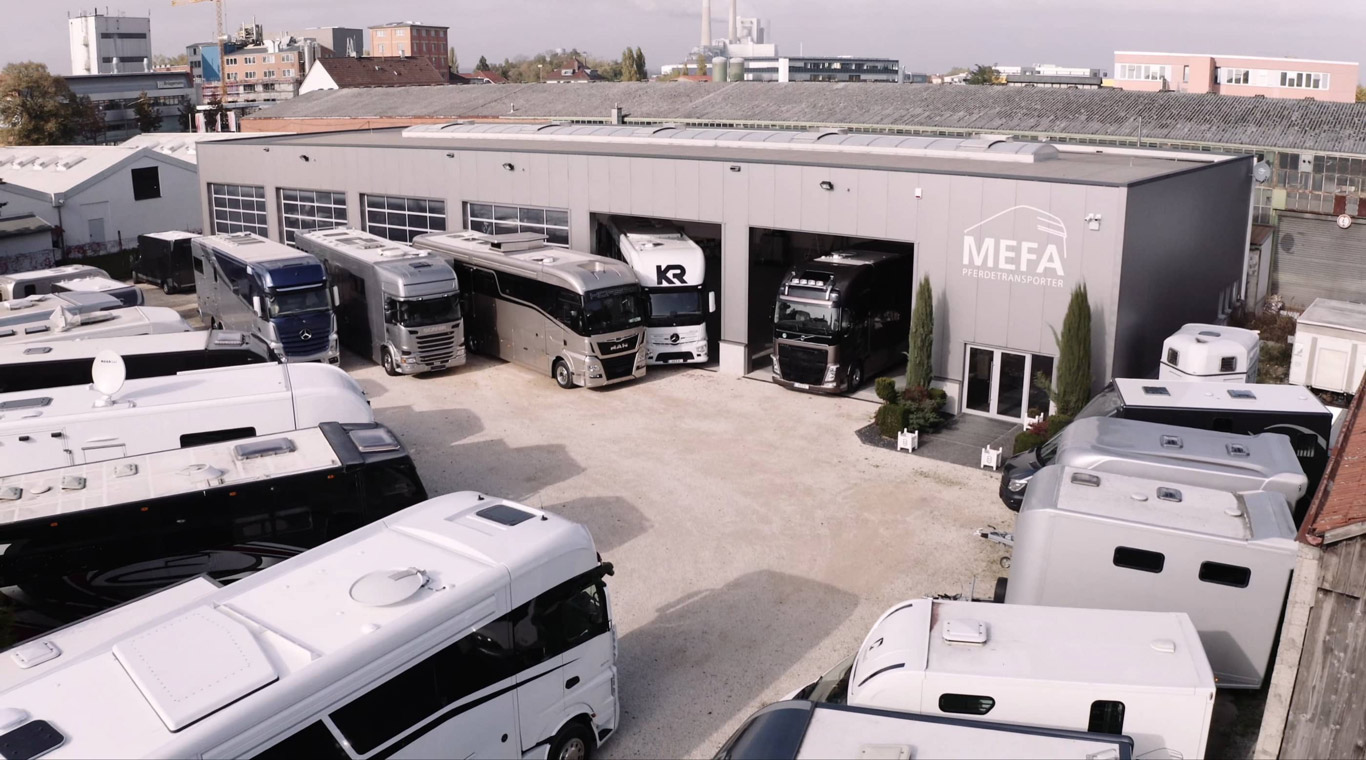Mefa Pferdetransporter Garage