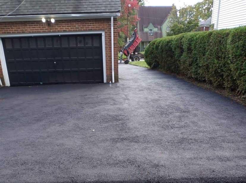 blacktop driveways installation cleveland