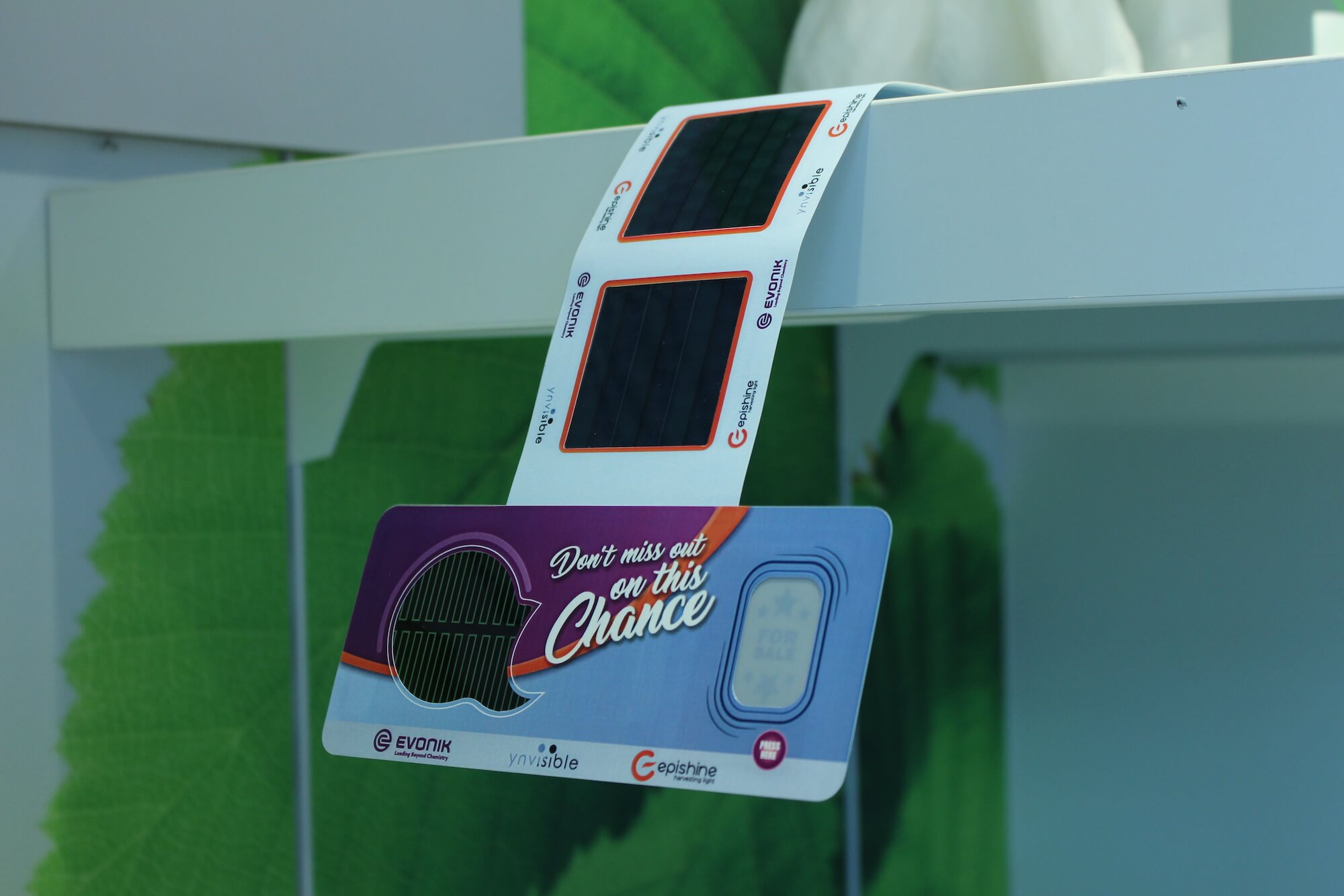 Self-Powered SmartSignage Solution by Joint technology