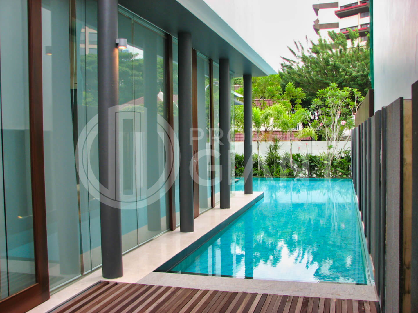 46 one tree hill (orchard) property giant