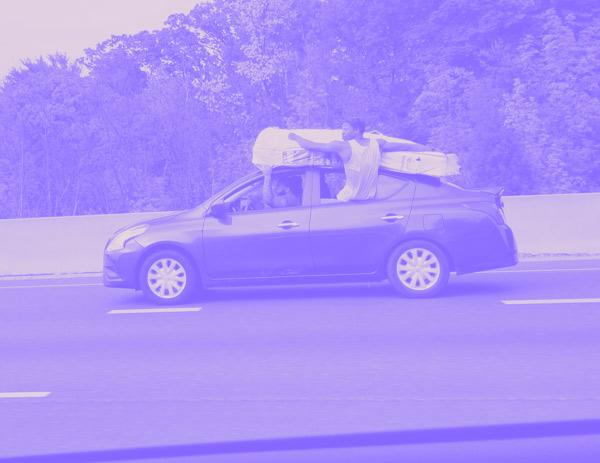 How to attach a mattress to a car