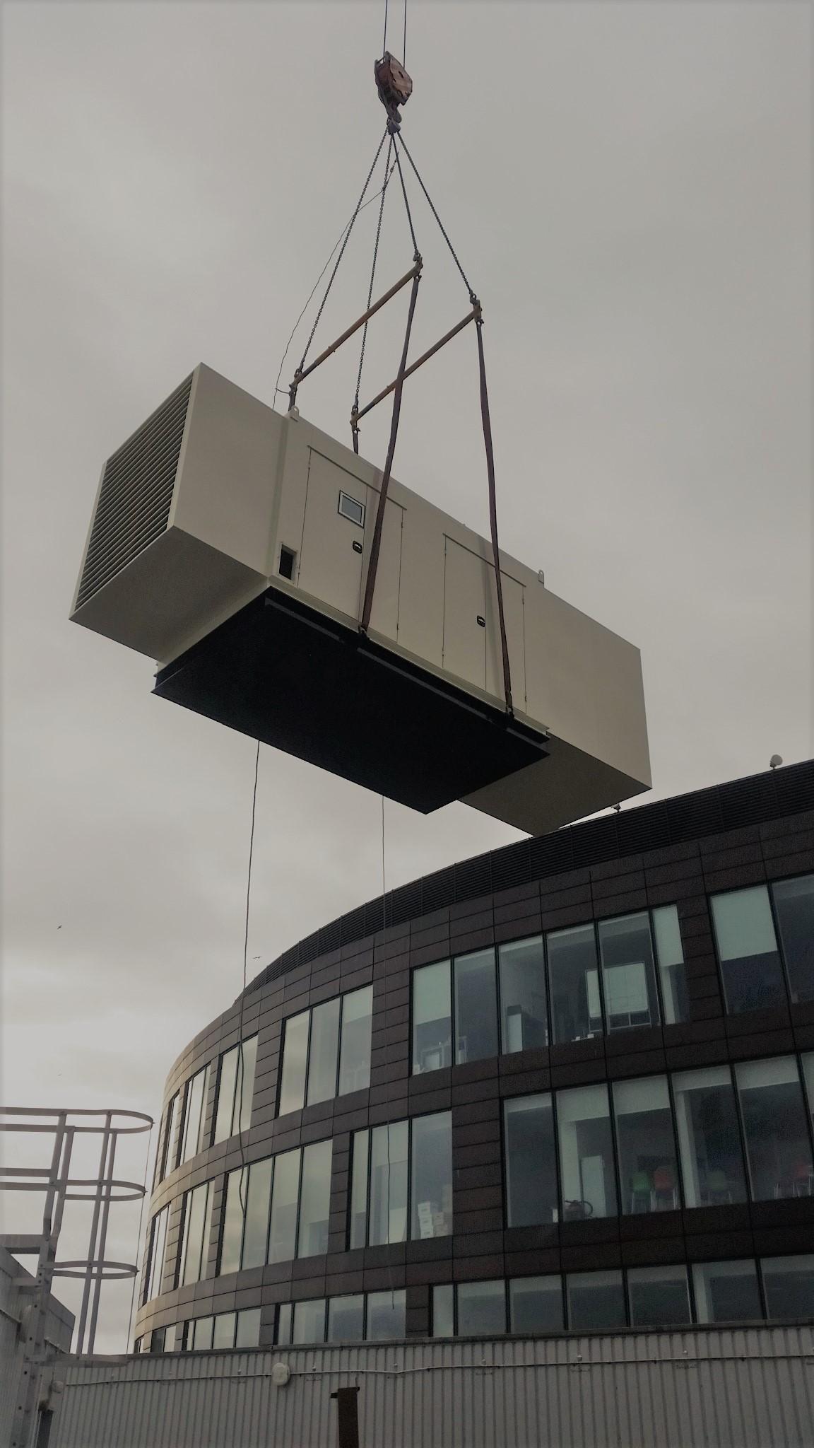 600kVA diesel generator craned onto roof