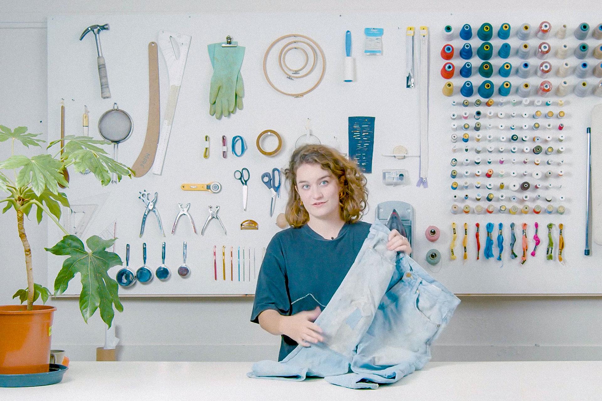Woman explaining how to repair things