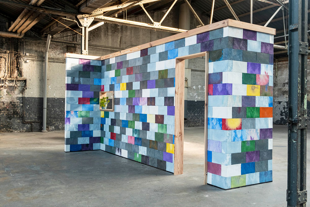 A wall made with recycled bricks