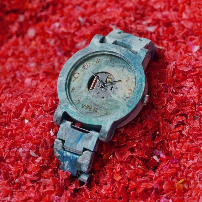 Watch from recycled plastic