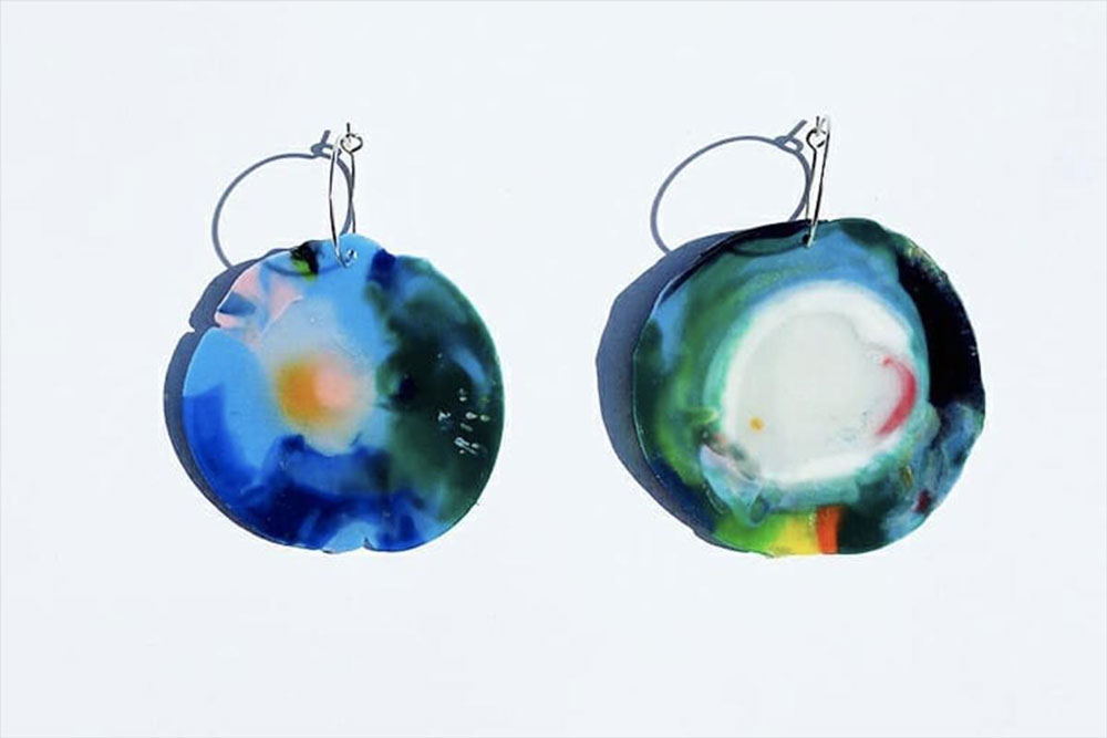 Earrings from recycled bottle caps