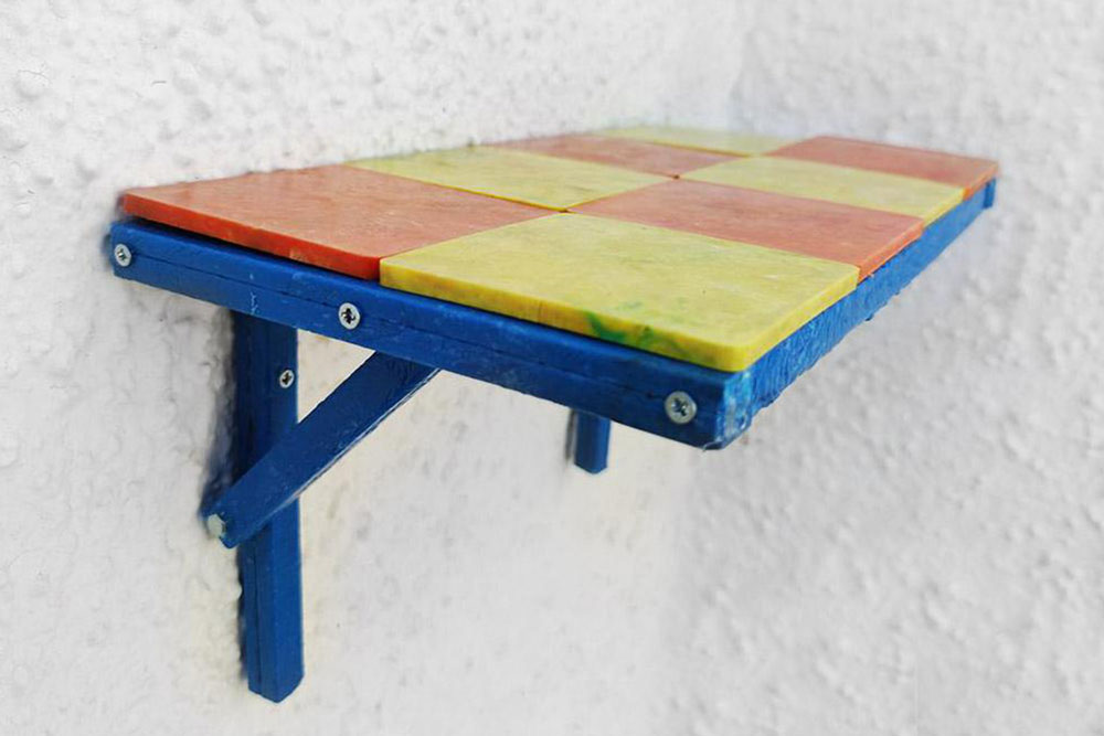 Shelf from recycled plastic