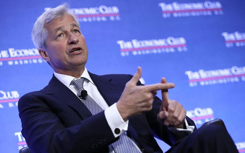 Jp Morgan CEO talking about blockchain during a conference