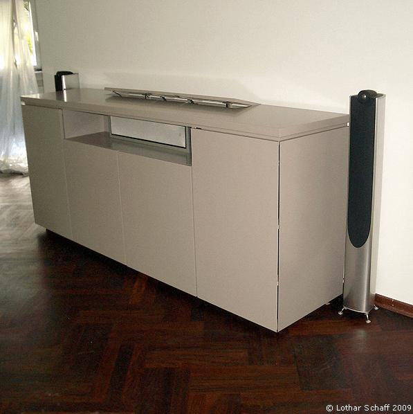 TV-Schrank mit versenkbarem Fernseher / Flachbildschirm