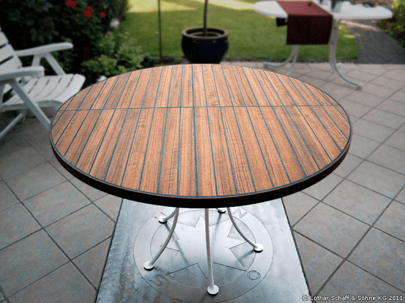 Gartentisch aus Teak-Holz und einem Gusseisen-Gestell