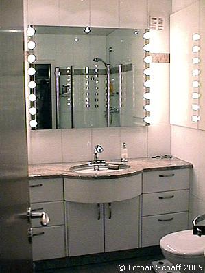 Waschtisch mit Arbeitsplatte aus Granit