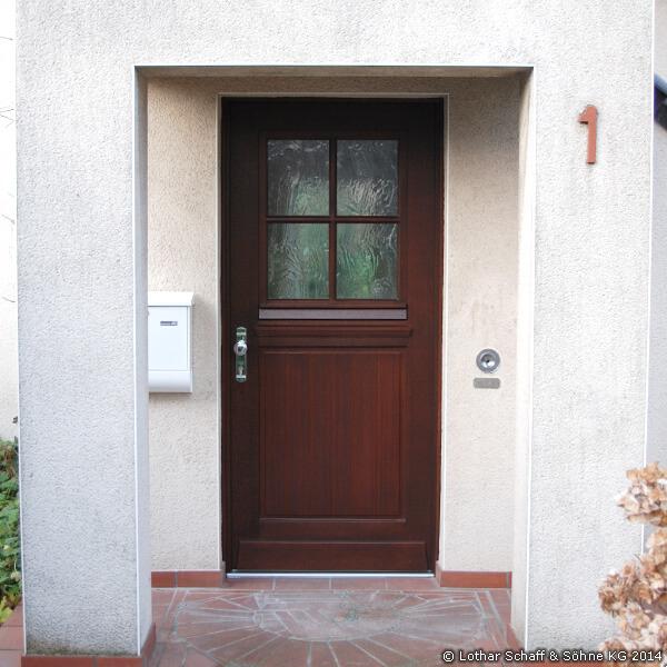 Landhaustür mit separaten Türfenster