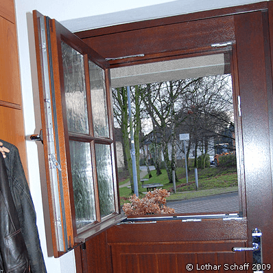Türfenster aus Ornament-Glas