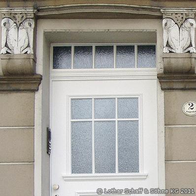 Haustür mit Mehrfachverglasung