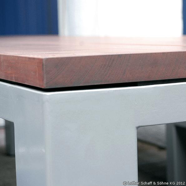 Tischgestell aus Stahl und Edelstahl