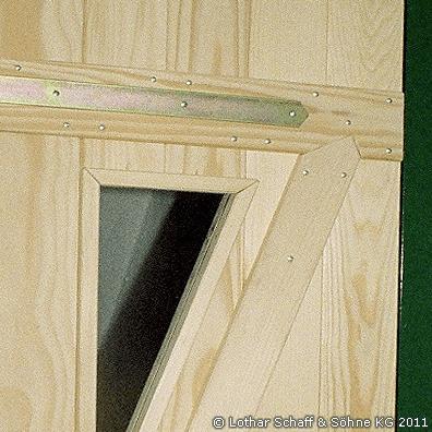 Sichtfenster in der Tür aus Rohglas