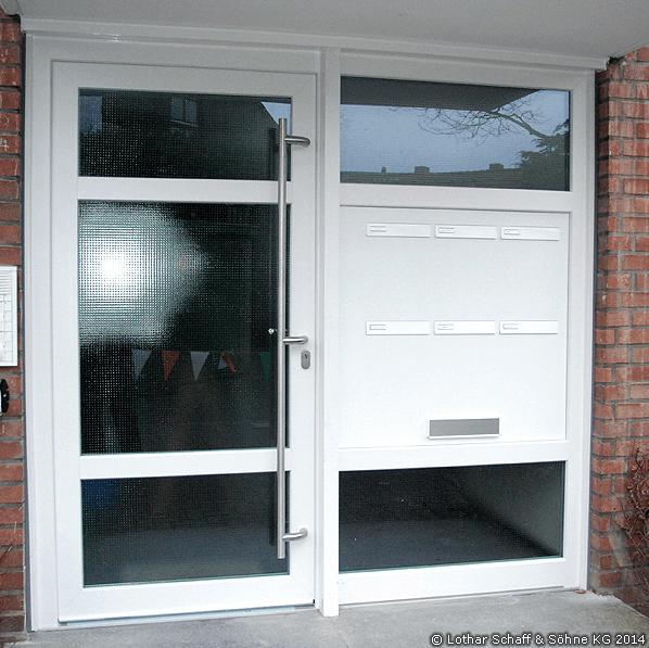 Haustüranlage für einen Hauseingang in einem Mehrfamilienhaus
