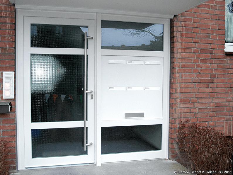 Haustüranlage in einem Mehrfamilienehaus
