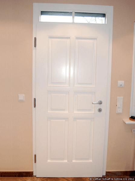 Zweifarbige Haustür in Meranti-Holz