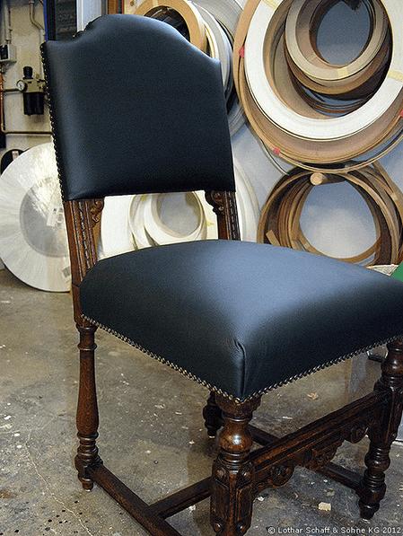Möbel Restauration eines historischen Stuhls