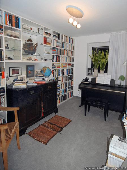 Bücherregal nach Maß für ein Musik- und Lesezimmer