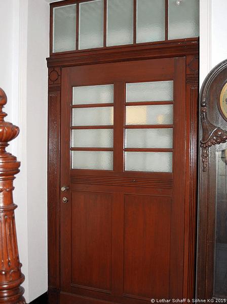 Neubau einer Wohnungs-Eingangstür nach historischem Vorbild