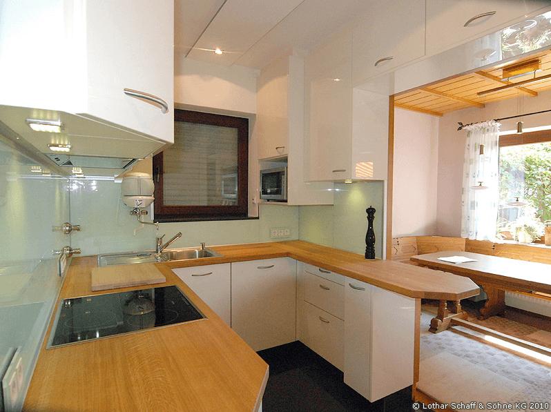 Küchen - umfangreicher Neubau auf engstem Raum