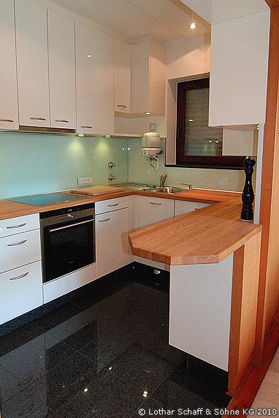 Neue, moderne Küche nach dem Umbau