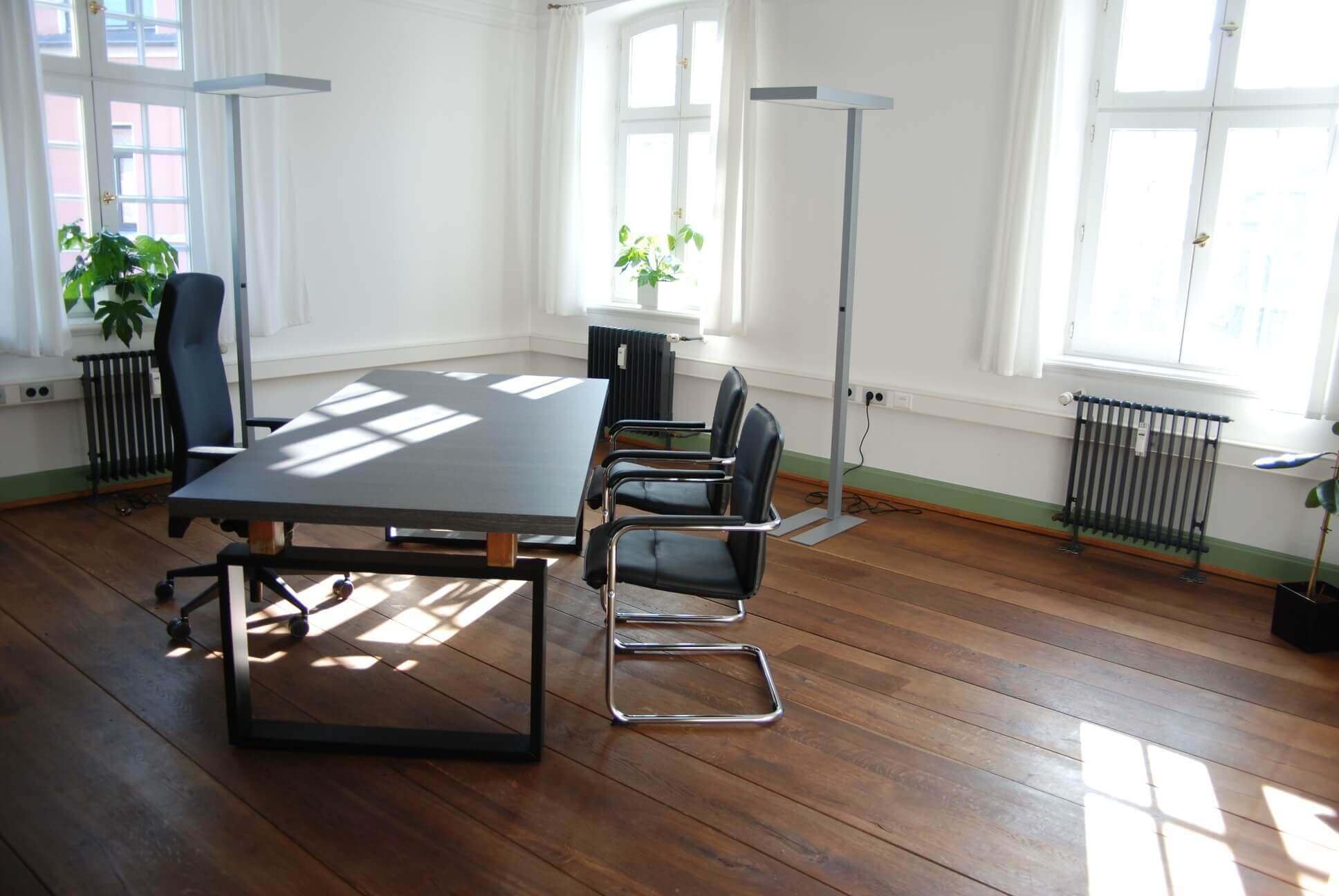 Weitere Büromöbel-Projekte