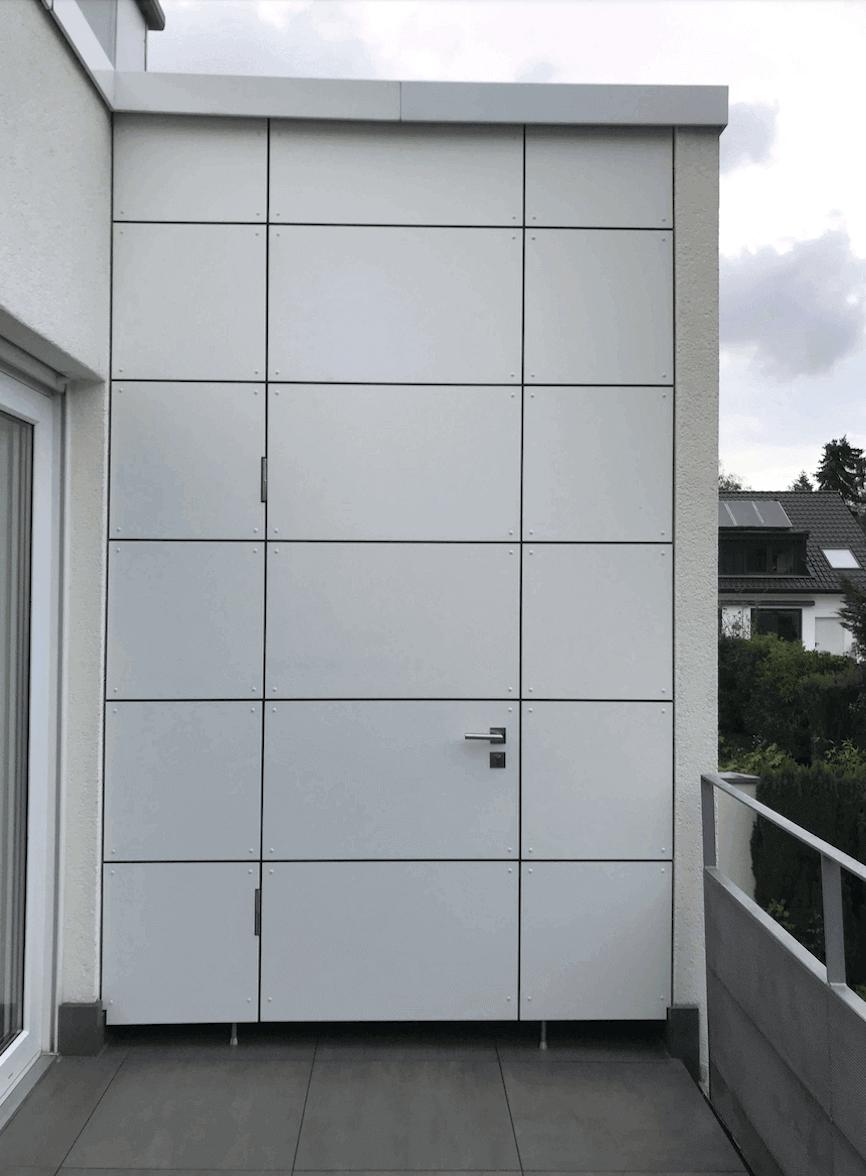 Abstellkammer auf dem Balkon