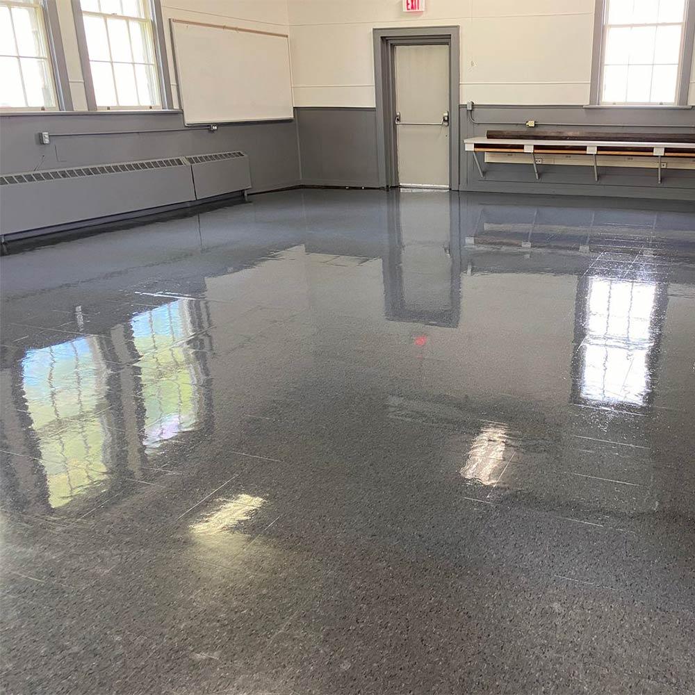 Floor waxing in Kelowna