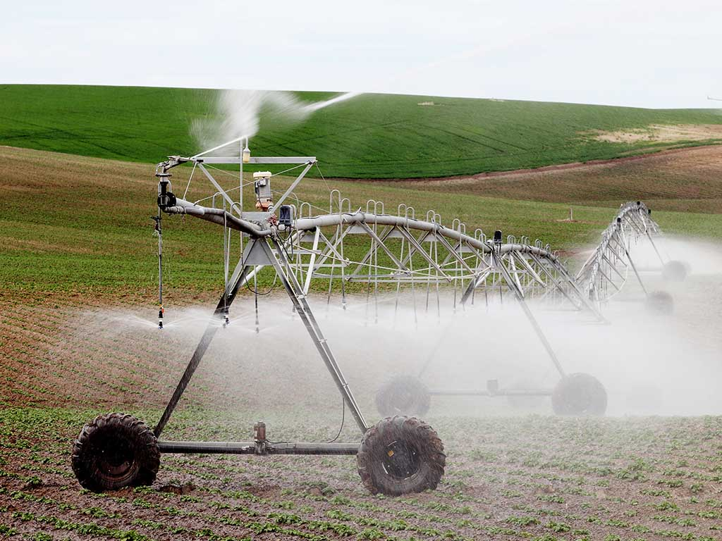 center pivot irrigation cost reduction