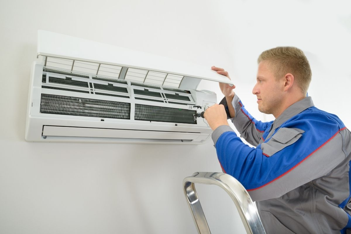 Ductless air conditioning maintenance & repair services - Barrie
