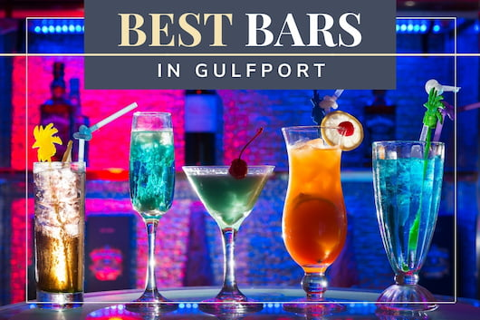 Cocktails in a bar - Best Bars in Gulfport