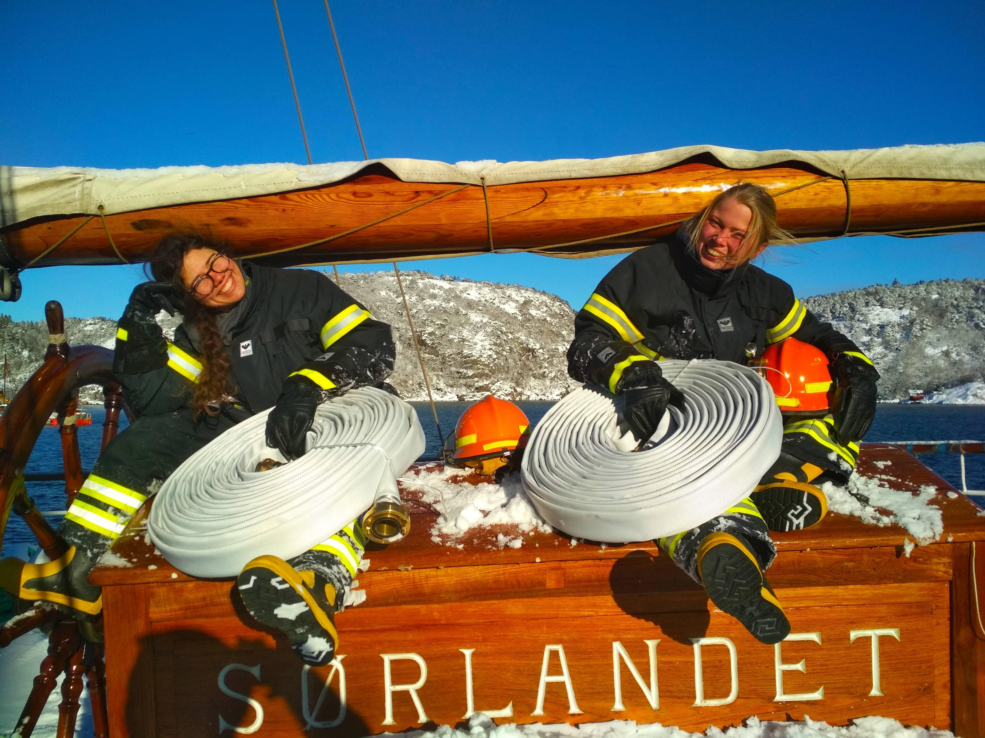 """Mandals AS støtter """"Sørlandet"""" med gratis brannslanger"""