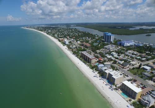 Navigate Your Expat Taxes In Fort Myers, Florida, beach overview
