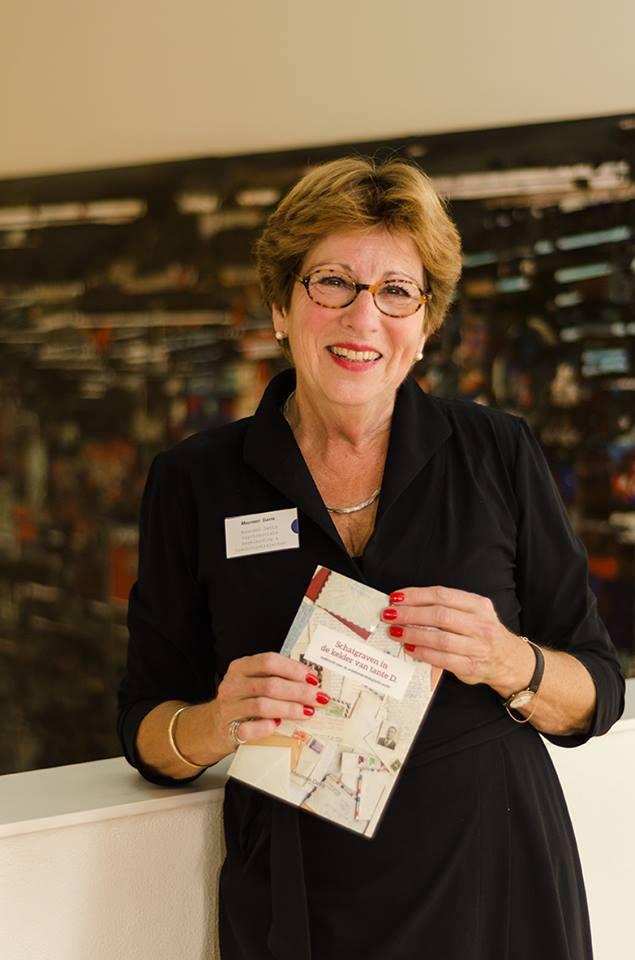 Boekpresentatie Schatgraven in de kelder van tante D., zoektocht naar de onbekende biologische ouder - Maureen Davis