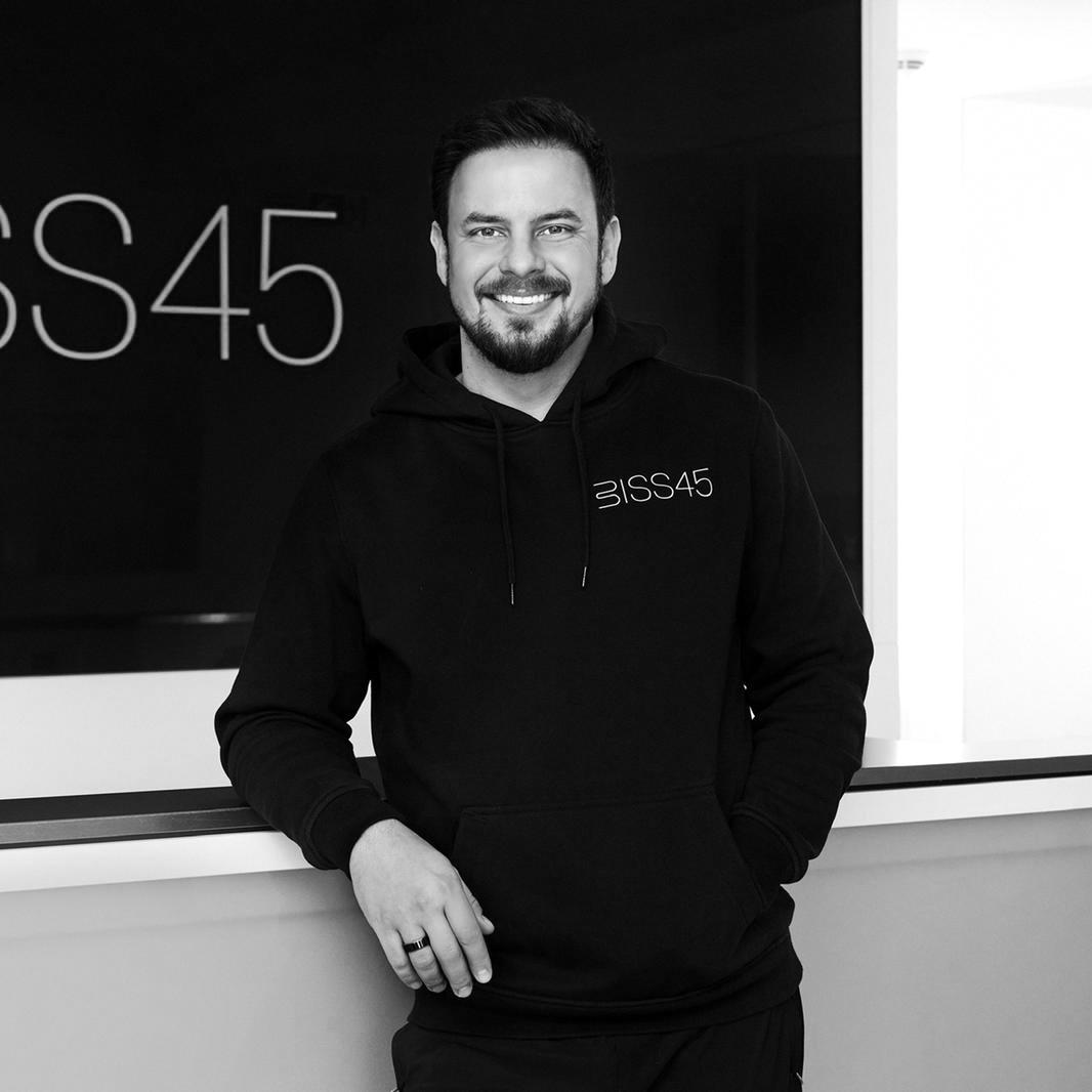 testimonial-customer-biss45