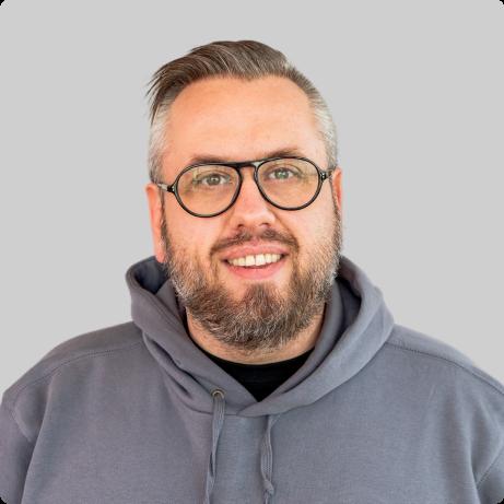 Sales Manager - Sebastian Arnold
