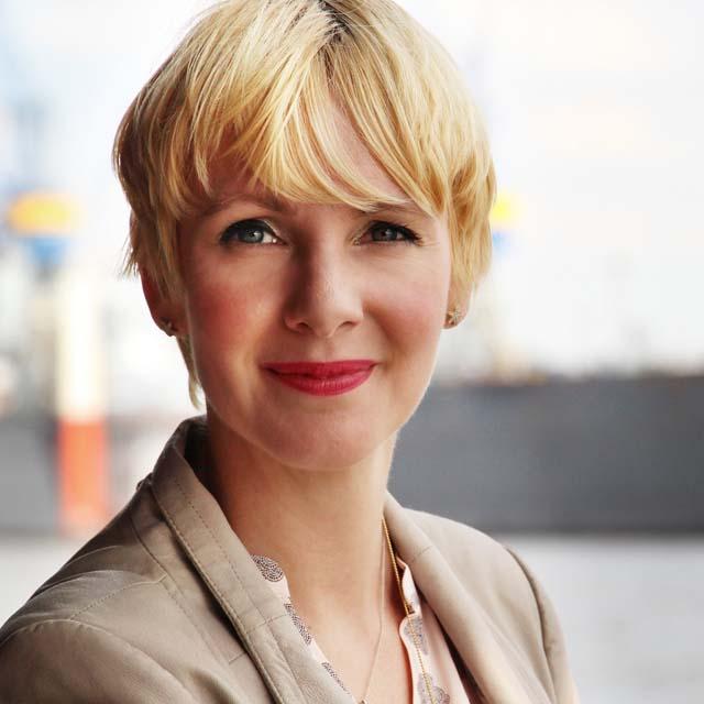 Eva Marhenke, Kommunikationsexpertin