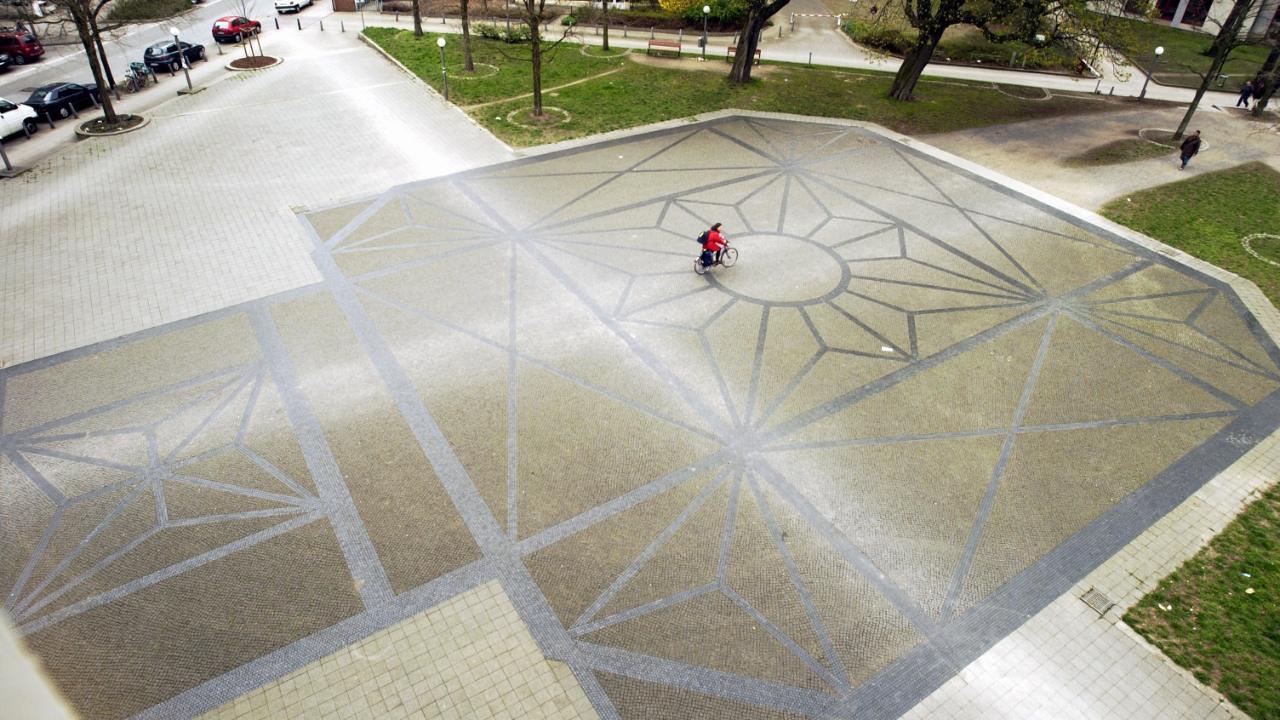 Bornplatz, Ansicht des Bodenmosaiks © Bild