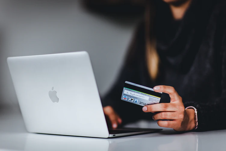 How to Choose the Right B2B Payment Solution for Your eCommerce Site