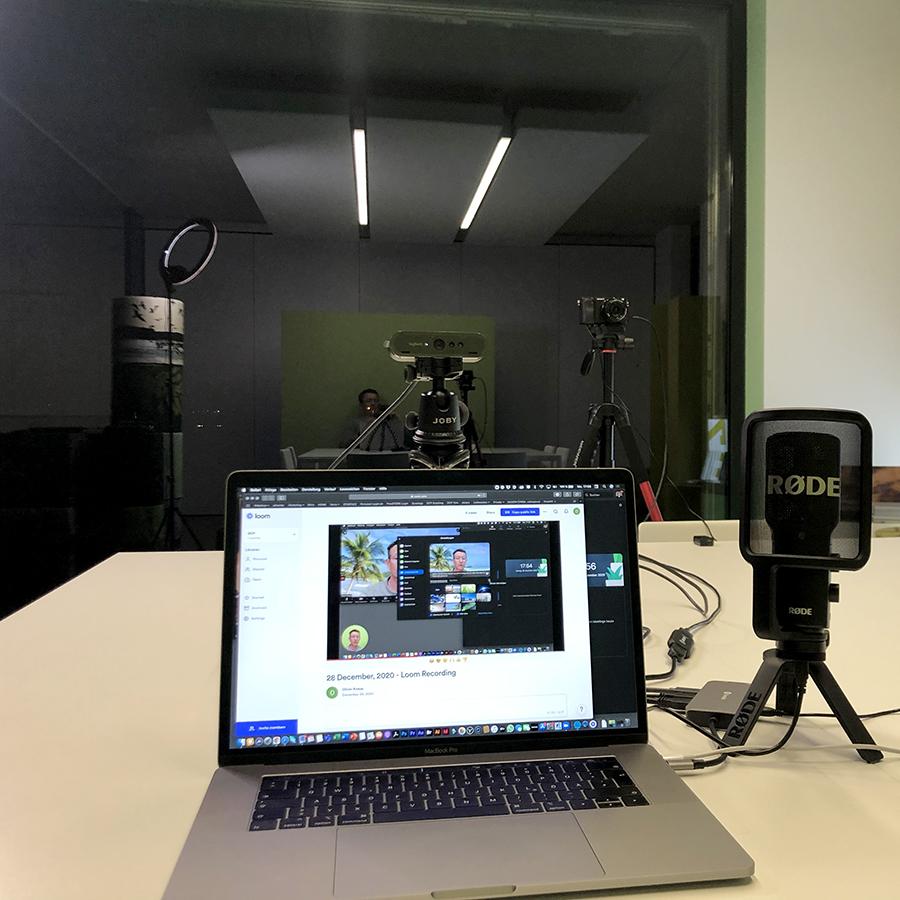 Zoom Meeting mit Greenscreen Hintergrund und Multi Kamera Setup
