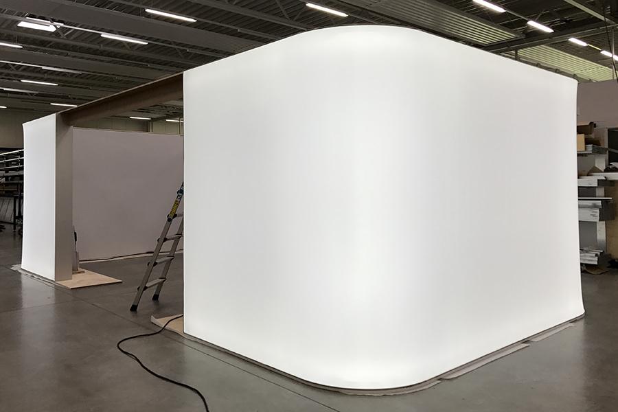 LED Leuchtkasten als Raum